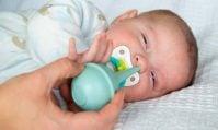 Mua máy hút mũi cho bé loại nào tốt? Kinh nghiệm mẹ thông thái cần biết