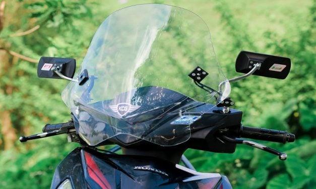 Những điều cần biết khi chọn mua kính chắn gió xe máy