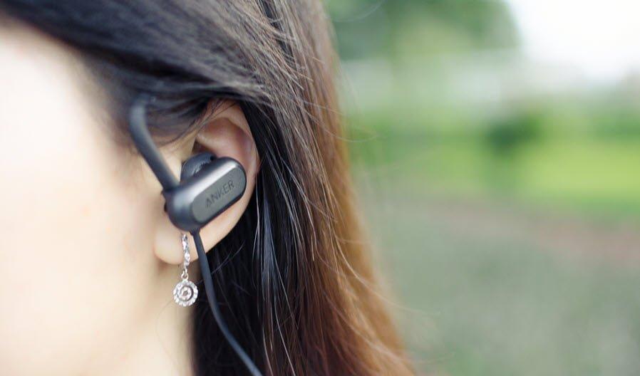 Hướng dẫn cách đeo tai nghe bluetooth đúng chuẩn
