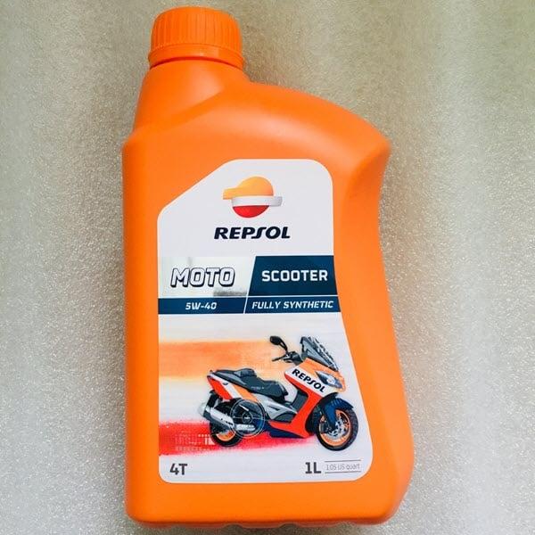 Dầu nhớt Repsol Moto Scooter 4T 1L giúp xe ổn định về độ nhớt, chống mài mòn tốt ngay cả khi động cơ hoạt động liên tục