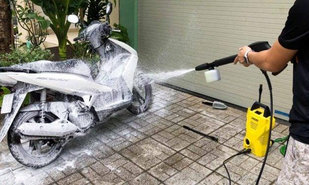 Cách rửa xe tay ga sạch, đúng chuẩn không phải ai cũng biết