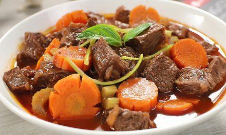 Hướng dẫn cách làm món bò sốt vang mềm, thơm ngon, đậm đà