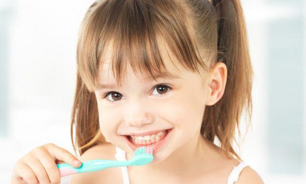 Mách mẹ 7 mẹo nhỏ giúp bé trở nên thích đánh răng hơn