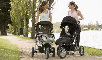 Khi nào bố mẹ nên mua xe đẩy cho bé là thích hợp nhất?