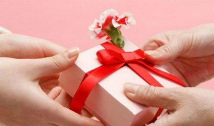 Nên mua quà gì ý nghĩa tặng bạn gái, người yêu, vợ nhân ngày 20.10